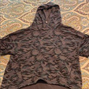 Fabletics camo short sleeve hoodie size L